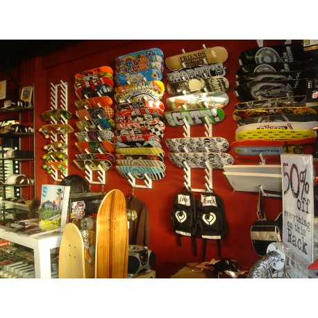 Skate board pop display