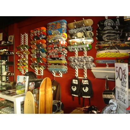 Skate board pop display
