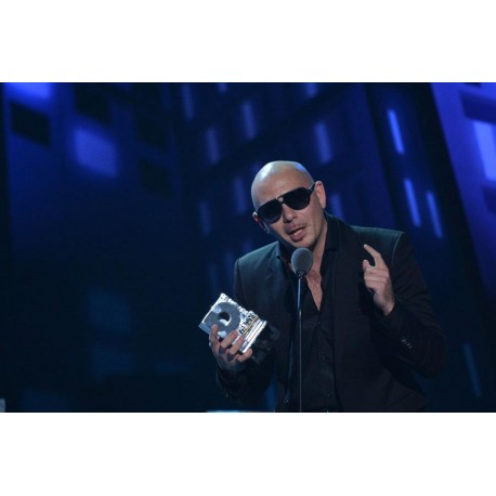 Pittbull accepting Premios Juventud award designed by LTD